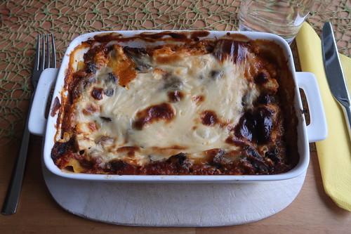 Vegetarische Lasagne (zur Verwertung von vielen roten Paprikaschoten)