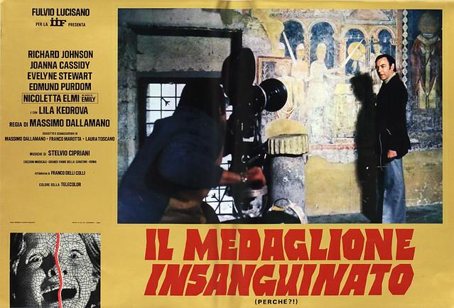il medaglione insanguinato (1)