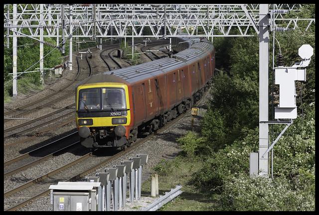 Postie: Class 325s at Whittington Lane