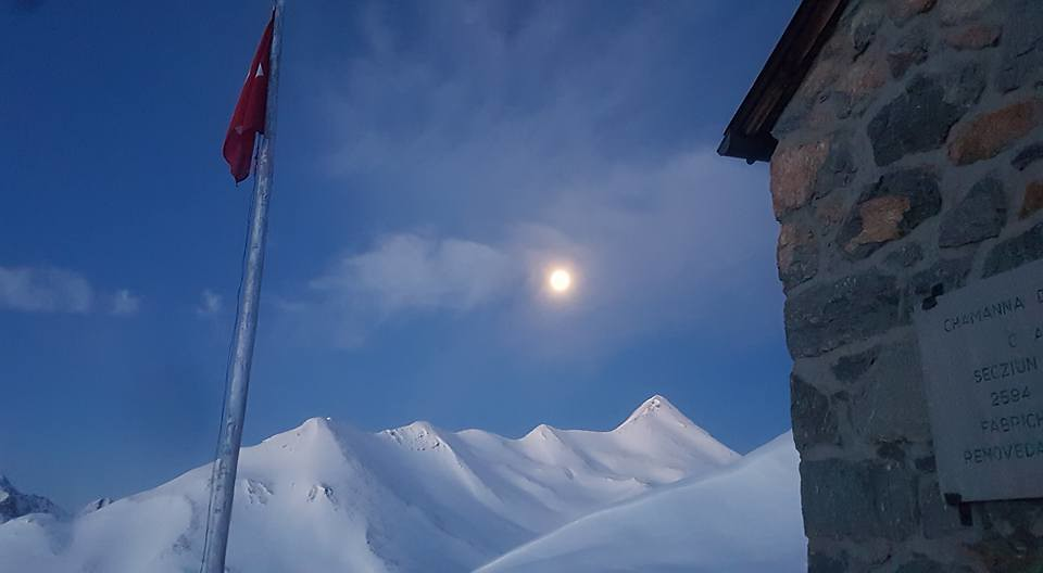 Chamanna Es-cha / Es-cha Hütte Albula Alpen Schweiz foto 03