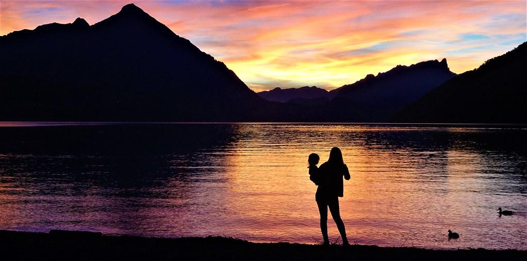 Posta de sol al Llac de Thun, a l'esquerra el Niesen 2362m (La piràmide suïssa)