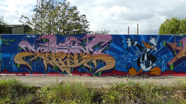Shine & Quest graffiti, Lakeside