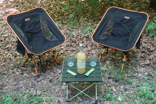 Campingstühle und Campingtisch