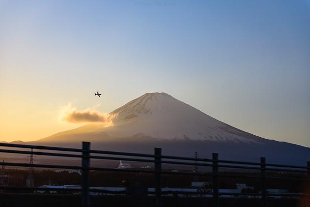 mt.Fuji , Plane and Sunset (in explore 23/5/2020)