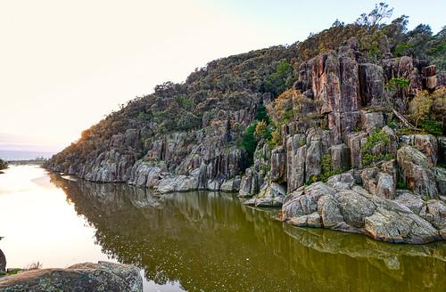 luminosity7 nikond850 launceston tasmania australia autumnsunrise cataractgorge covid19 covertphotosdiary earlymorninglight water reflections rocks dawn landscape southeskriver