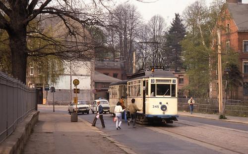 strasenbahn trambahn tramway petervelthoen dia scan analoog kmstadt karlmarxstadt nikkor nationalgeographic landscapedreams touristik strase limbacherstrase epsonv700scan fujifilm nikonfe