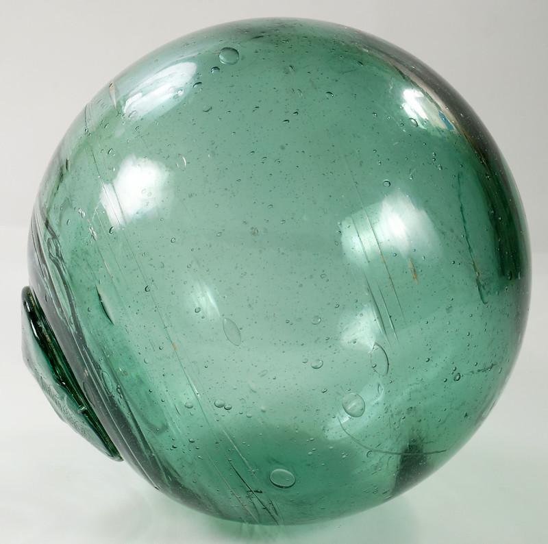 RD21822 Vintage Green Glass Fishing Float 5 inch Diameter DSC05373