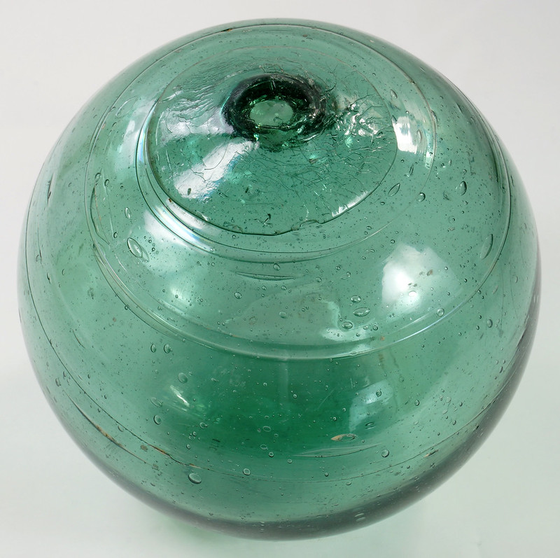 RD21822 Vintage Green Glass Fishing Float 5 inch Diameter DSC05371