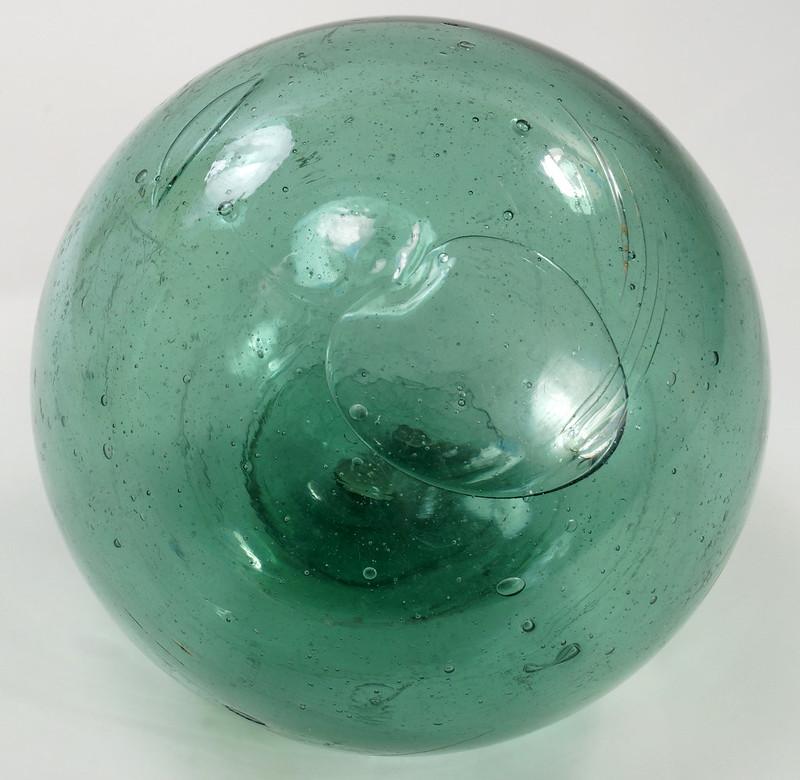 RD21822 Vintage Green Glass Fishing Float 5 inch Diameter DSC05370