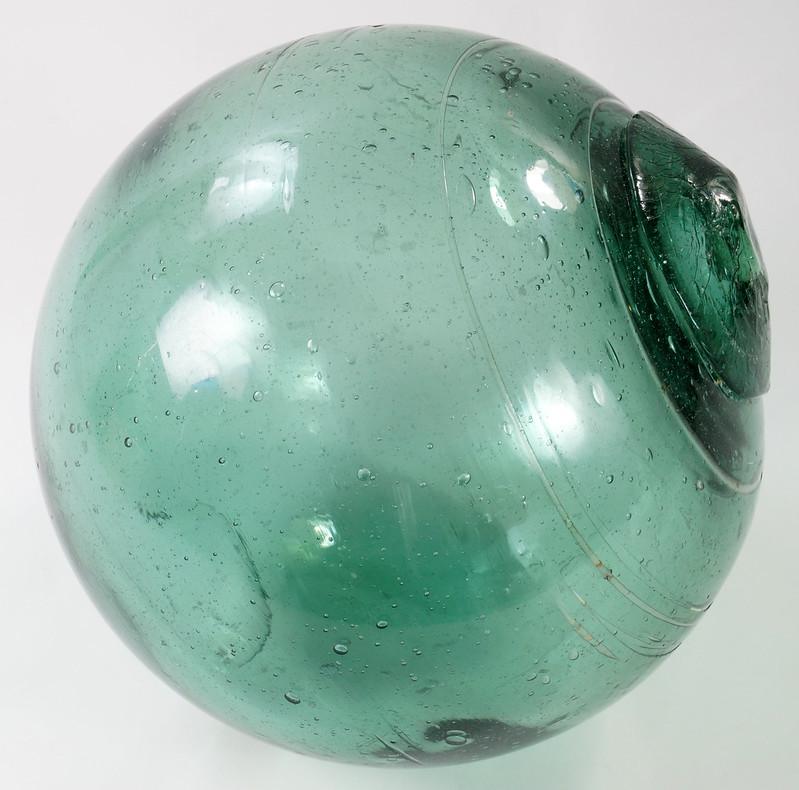 RD21822 Vintage Green Glass Fishing Float 5 inch Diameter DSC05368
