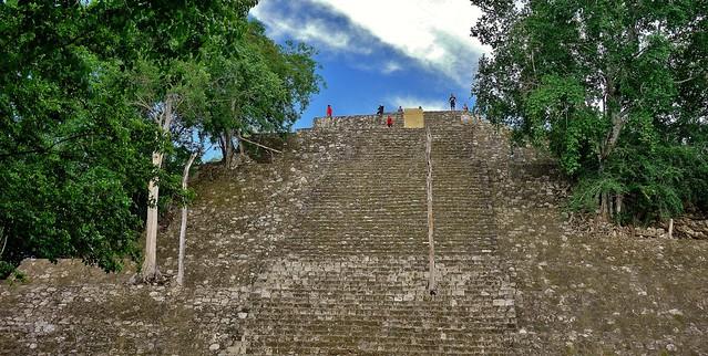 MEXICO, Mayastätte Calakmul, inmitten eines unendlich scheinenden Dschungels. verborgen, versteckt im tiefen Urwald , 19762/12689