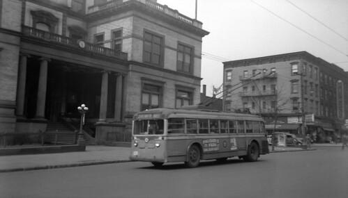 US NJ Hoboken PSNJ Trolleybus 9056 Rt 21, Hoboken City Hall-Washington Street