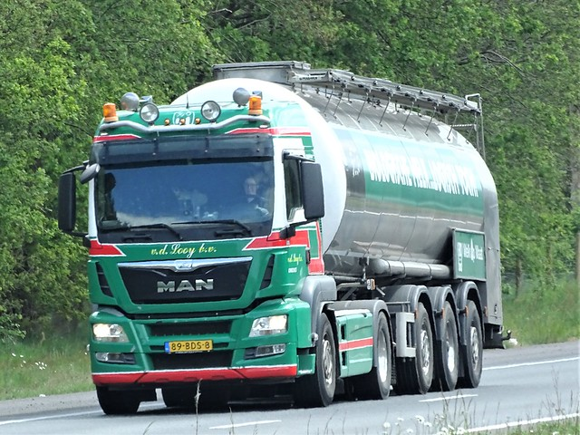 MAN TGS Milktanker from v d Looy Holland.