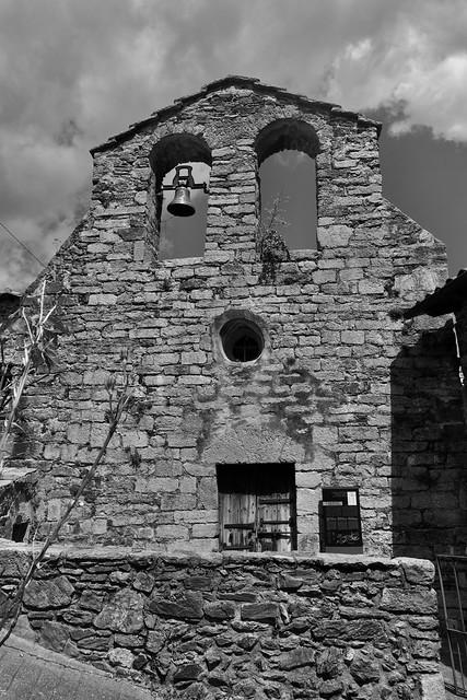 Antiga Església de La Roca-Vilallonga de Ter, Ripollès, Girona.