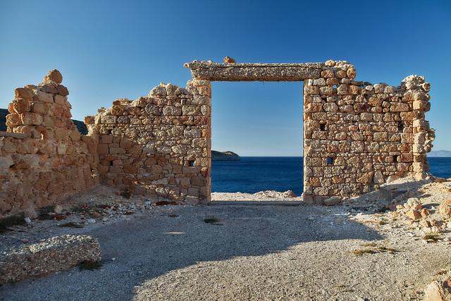 5 Islands: Milos – Firopotamos