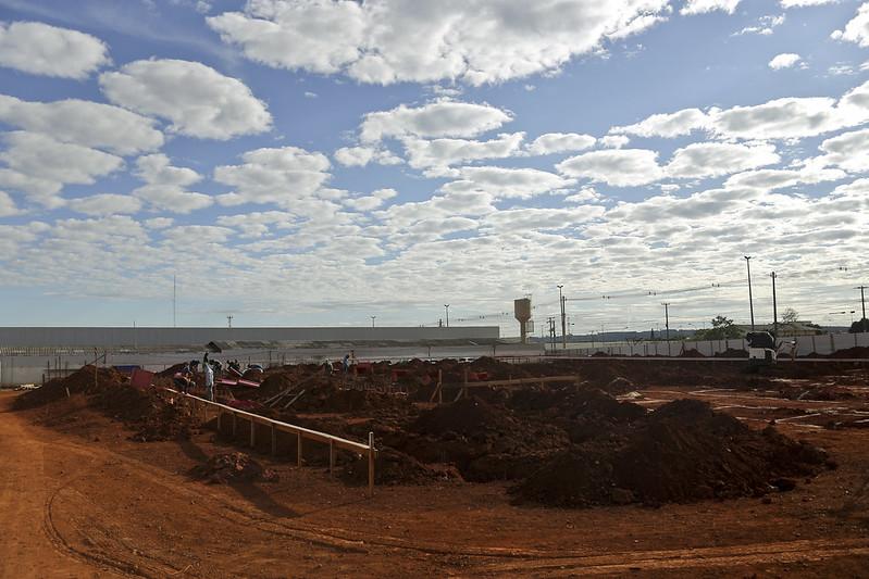 Governador vistoria obras das UPAs de Ceilândia e Brazlândia