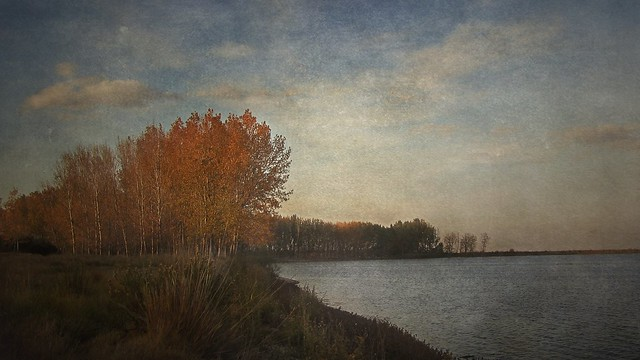 Laguna de Lor  en otoño.