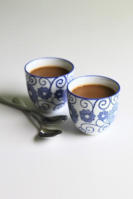tea and honey pots de crème