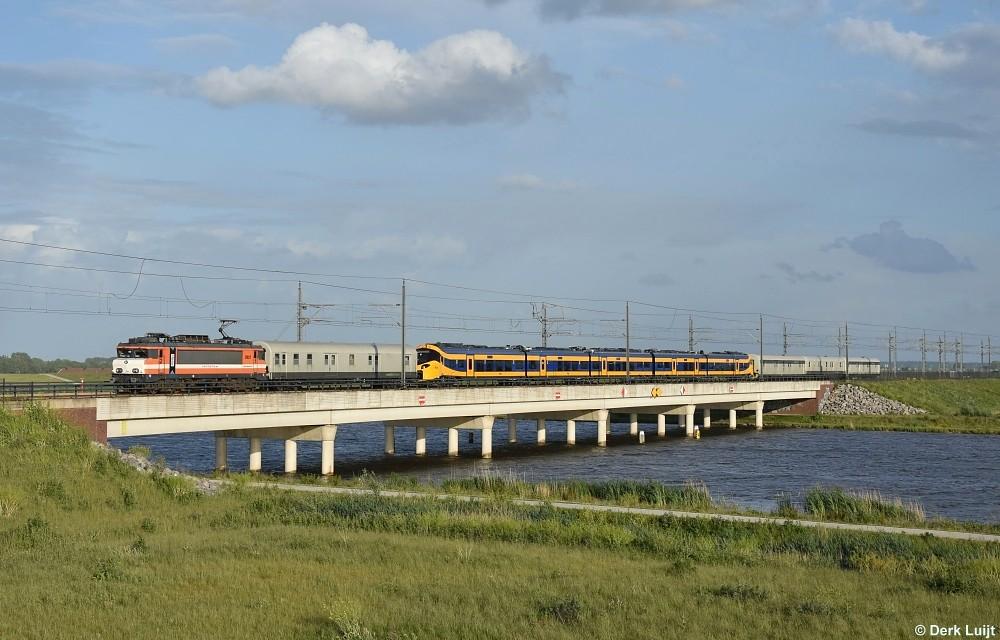 Railexperts 9901 + NS ICNG 3108, Kampen Zuid, 23-5-2020 20:05