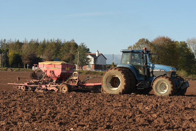 Ford 8770 Tractor with a Vaderstad Rapid Seed Drill