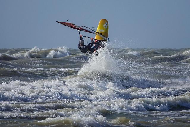 Surfing in Zeebrugge 23 mei - Stubby Surfer