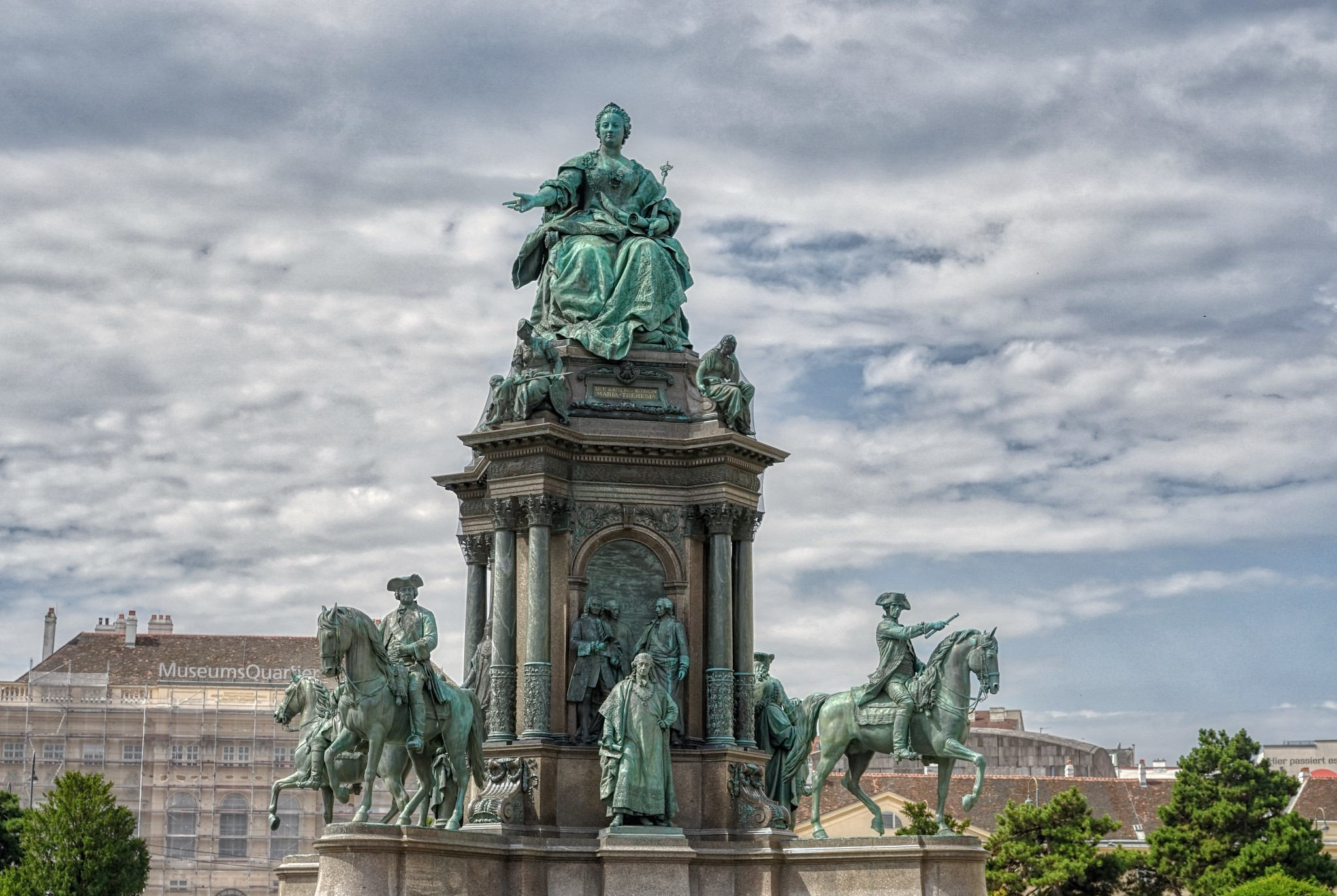 Plaza Statue