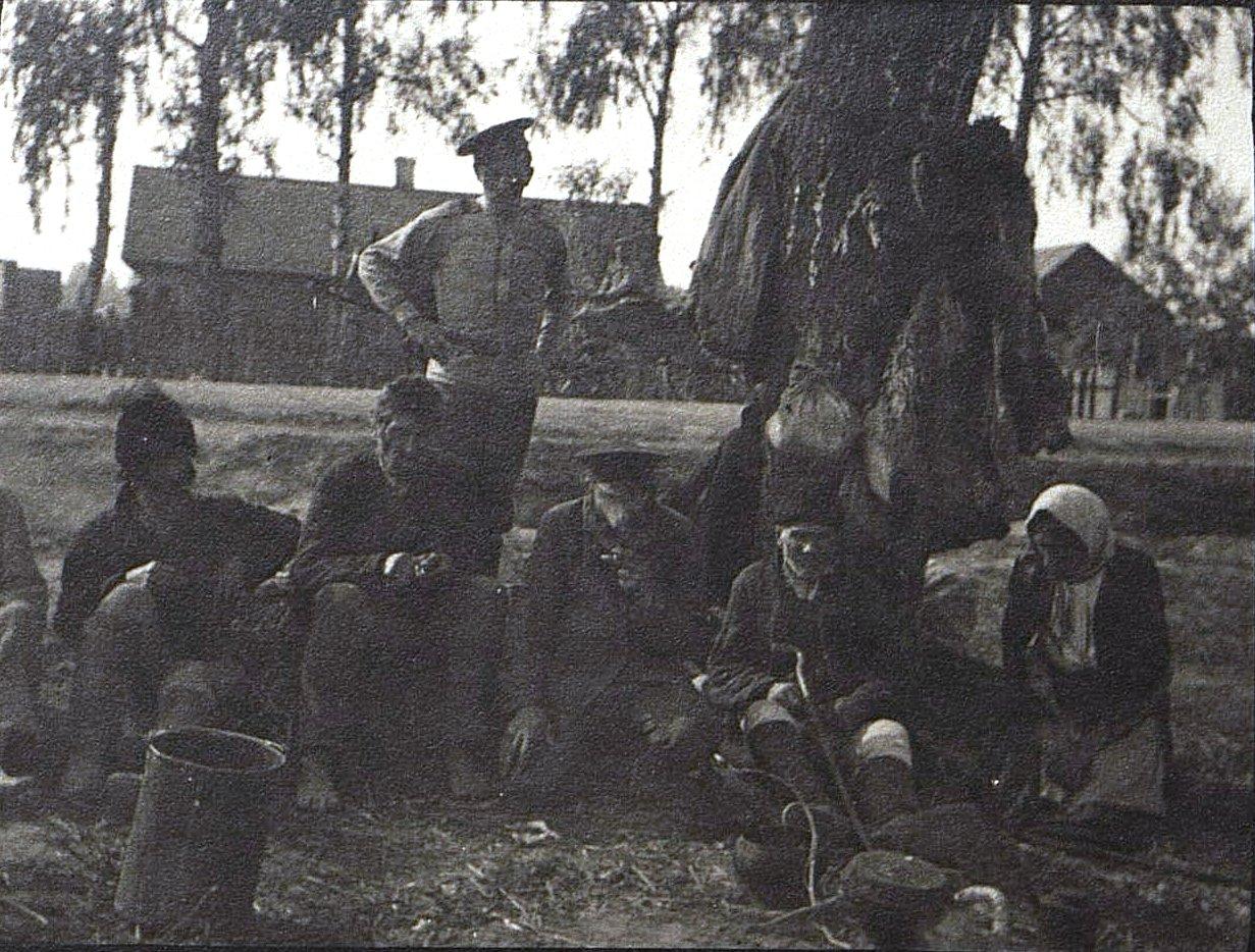 14. На отдыхе. 1915
