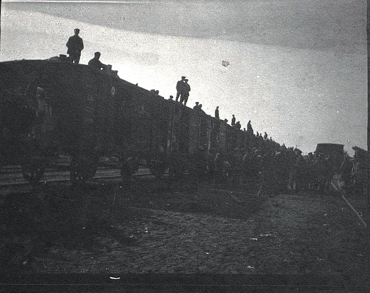08. Передвижение беженцев по железной дороге. 1915