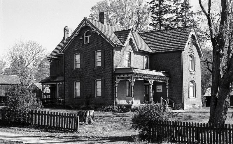 Bronte Provincial Park Farm House Two