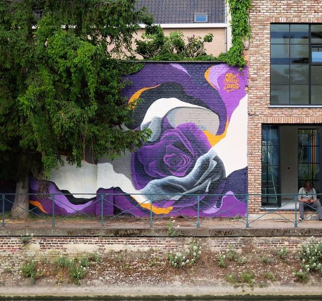 #Ghent update on #StreetArtCities app & map : this place is really becoming a #streetart hotspot. New work by #Plur & #Loves. . #Gent #mural #urbanart #mural #graffitiart #artinthestreets #streetartbelgium #graffitibelgium #visitgent #muralart #streetartl
