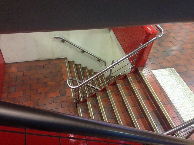 Stairs down from Platforms 1 and 2 to Platforms 3 and 4 at Melbourne Central Station