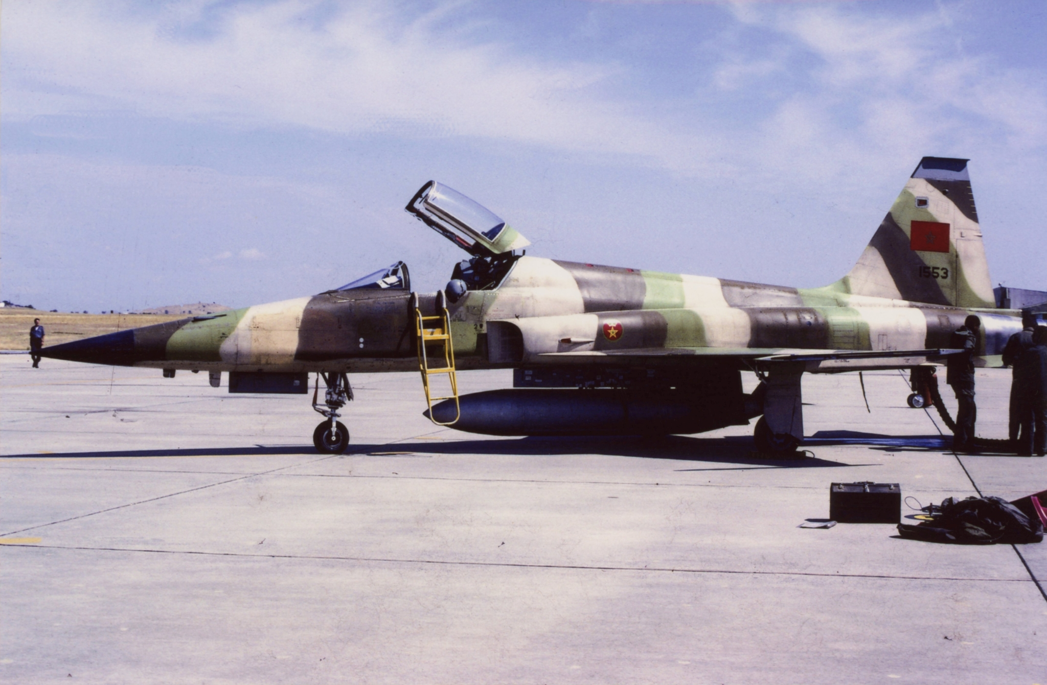 FRA: Photos F-5 marocains / Moroccan F-5  - Page 13 49928645887_5f38447bac_o_d