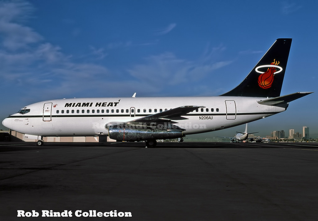 Miami Heat (NBA) B737-201 N206AU