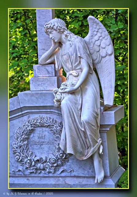 Grave Sculpture 01
