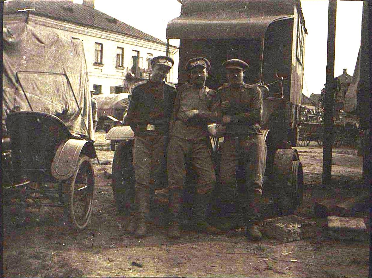 12. Грузовик 13-й автомобильной роты. 1915