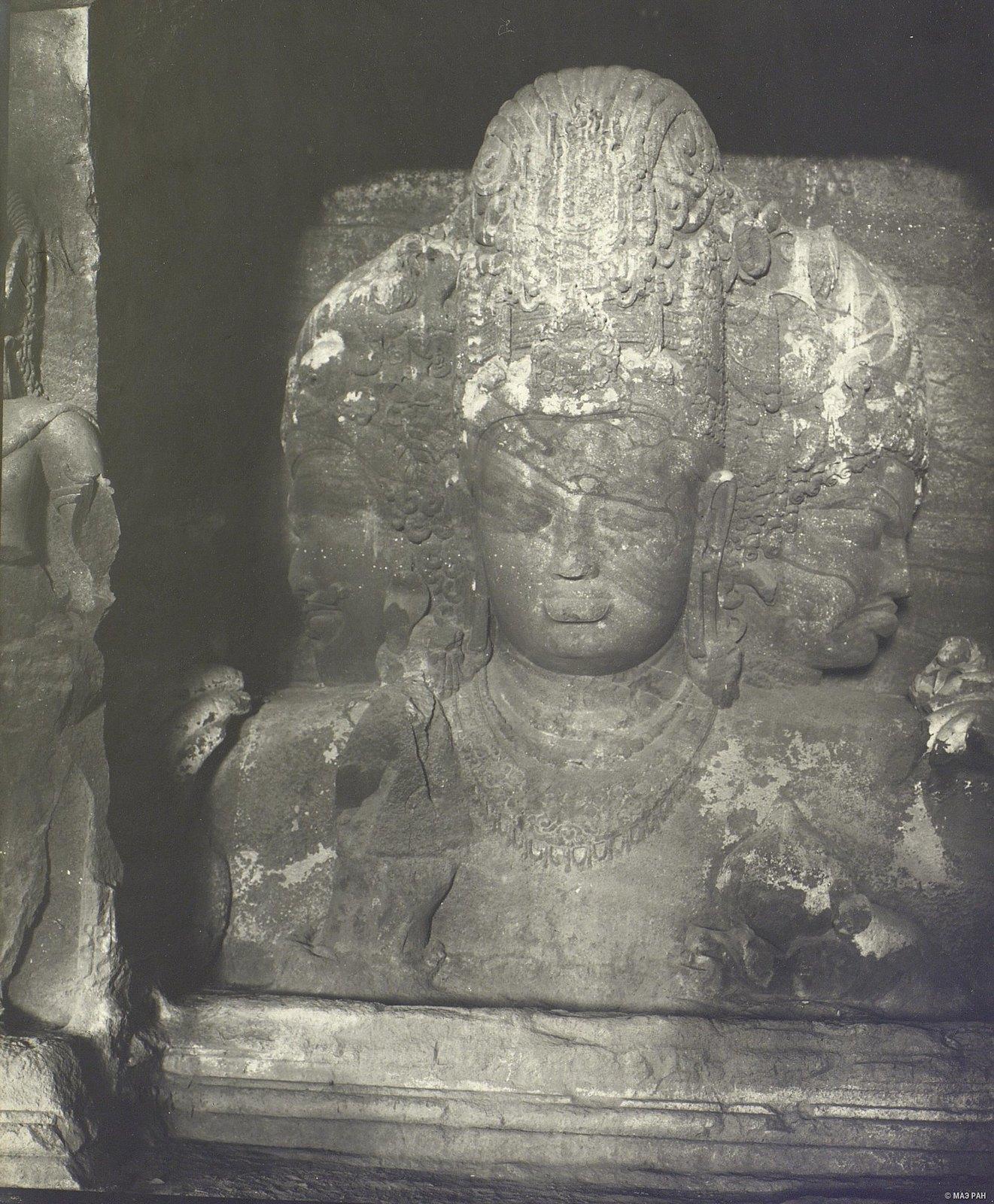 Пещерный храм в Элефанте (скульптурное изображение Тримурти) (1)
