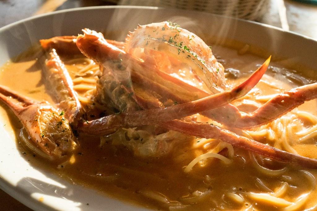 日本海に沈む夕日と日本一の蟹パスタ レストラン バナナウィンズ