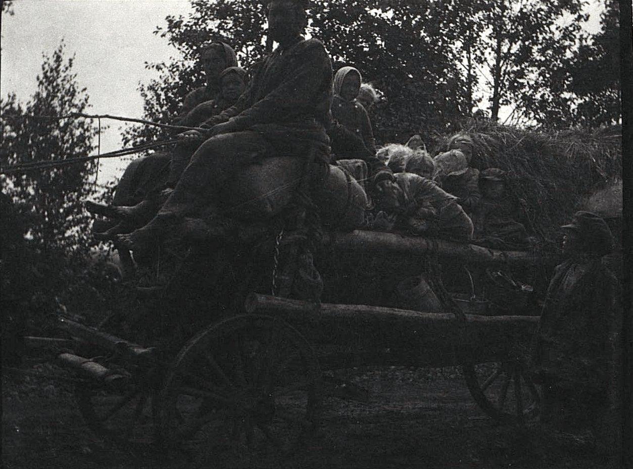 02. Передвижение беженцев Холмской губернии. 1915