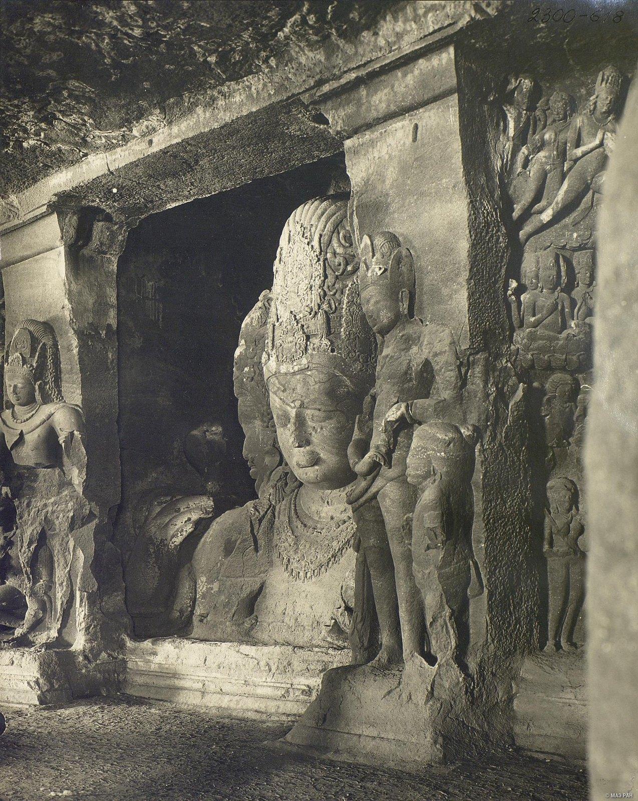 Пещерный храм в Элефанте (скульптурное изображение Тримурти) (5)