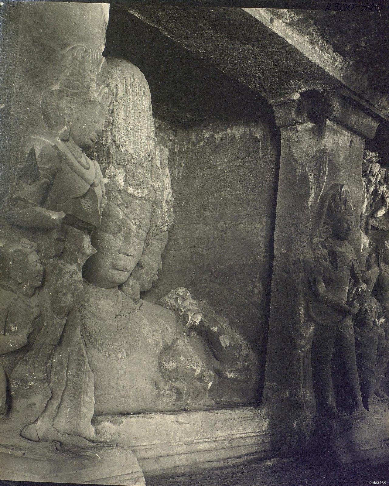 Пещерный храм в Элефанте (скульптурное изображение Тримурти) (4)