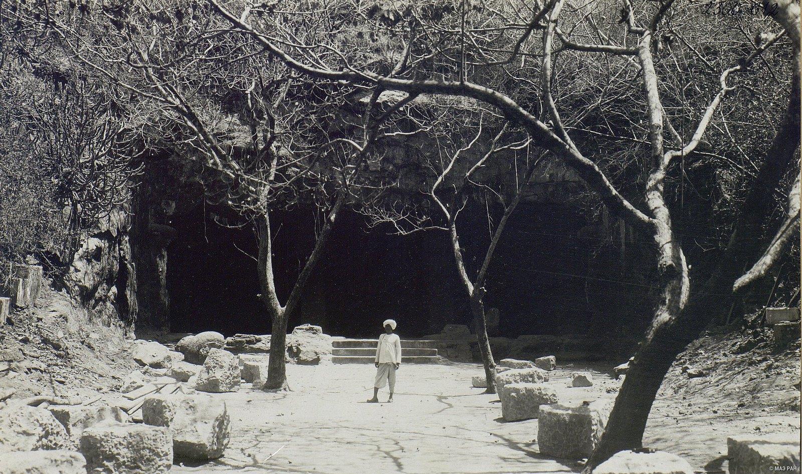 Пещерный храм в Элефанте (вход)2