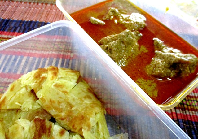 Roti canai & chicken curry