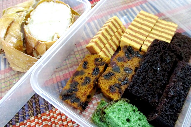 Ketupat lemak and more cakes