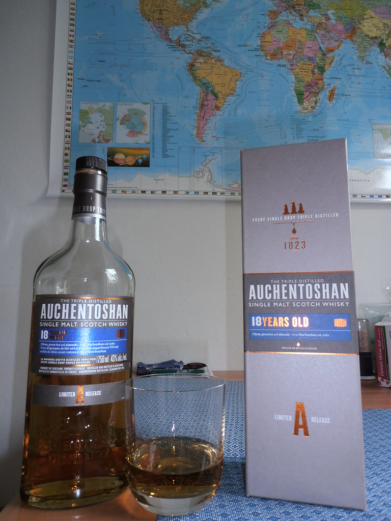 One Shot of Auchentoshan Single Malt Scotch Whisky, 18 Years Old, 43%