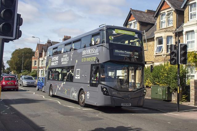 Oxford Bus Company 'BrookesBus' Wright Streetdeck OX68 MBA 371 , Botley Road Oxford 15.9.19
