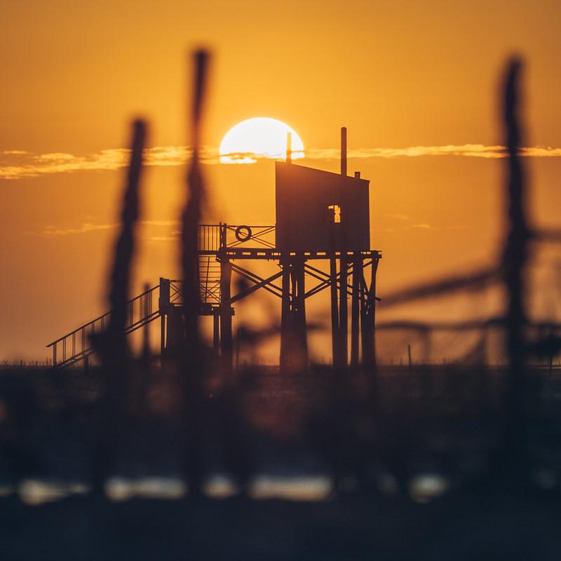 海中小屋 夕陽
