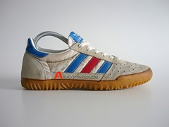 1983 VINTAGE ADIDAS INDOOR SUPER SPORT SHOES
