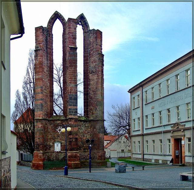 Ruine des Minoritenklosters in Beneschau