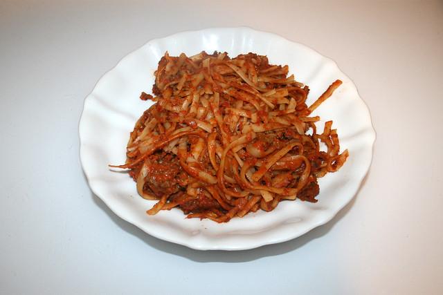 Tagliatelle in mincemeat tomato cream sauce - Resteverbrauch IV / Tagliatelle in Hackfleisch-Tomaten-Sahnesauce - Resteverbrauch IV