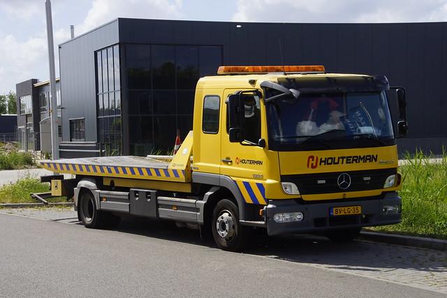 Mercedes-Benz Atego 1224 Houterman met kenteken BV-LG-35 in Bemmel 23-05-2020